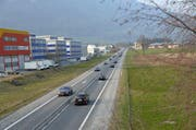 Die A8 wird wegen Unterhaltsarbeiten an zwei Nächten gesperrt. (Bild: Robert Hess / Neue OZ)