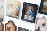 Zahlreiche Votivtafeln in der St.-Verena-Kapelle zeugen von der ausgeprägten katholischen Volksfrömmigkeit im 18. und 19. Jahrhundert. Die Bilder sind hauptsächlich für Erhörungen durch die heilige Verena gestiftet worden.