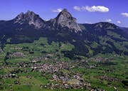 Blick auf Schwyz. (Bild Schwyzer Kantonalbank)