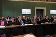 Blick in den Saal des Zuger Kantonsrates. (Bild: Charly Keiser)