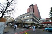 Die 20-jährige Mutter war mit Beschwerden in die Notfallaufnahme des Luzerner Kantonsspitals gekommen. (Bild: Dominik Wunderli / Neue LZ)