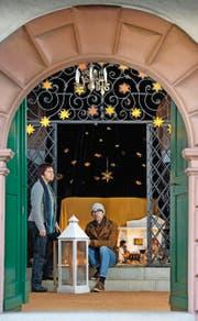 Die Karl Borromäus Kapelle der Pfarrei St. Karl soll zu einer Kinder Kapelle umgewandelt werden. Projektleiterin Eugenie Lang und Beni Ledergerber (von links nach rechts). (Bild: Eveline Beerkircher (Neue LZ))