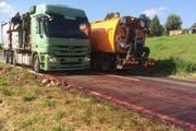 Der Lastwagen verlor einen Teil seiner Ladung bei Ruswil. (Bild: Luzerner Polizei)