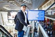 «Nach der guten Zeit in Luzern bin ich auch froh, dass ich gehen kann»: Dominique Mentha am Bahnhof Luzern. (Bild Jakob Ineichen)