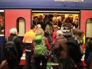 Auf der Ost-West-Achse mussten sich die Zugreisenden am Dienstagmorgen in Geduld üben (Archivbild). (Bild: KEYSTONE)