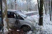 Unfall Eich: Die Luzerner Polizei warnt bei den aktuell winterlichen Strassenverhältnissen besonders vorsichtig zu fahren. (Bild: Verkehrsunfall Eich (Luzerner Polizei, 13. Januar 2017))