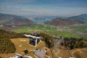 Der Kanton Nidwalden soll unter anderem das Basis-Marketing (im Bild die Cabrio-Bahn aufs Stanserhorn) übernehmen. (Bild: Leserbild Caroline Pirskanen)