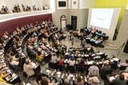 Die Landsgemeinde der Allianz für Lebensqualität tagt im Kantonsratssaal. (Bild Roger Grütter)