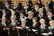 Die weiblichen Stimmen des Chors Klangwerk beim Auftritt im Konzertsaal des KKL. (Bild Nadia Schärli)