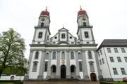 Aussenansicht der Klosterkirche St. Urban (Bild: Roger Grütter)