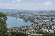 Blick auf die Stadt Zug, die zweitbeste Stadt der Schweiz. Vier Ränge später folgt... (Bild: Maria Schmid)