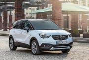Der Opel Crossland erinnert im Design an seinen «kleinen Bruder» Adam. (Bild: pd)