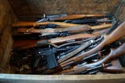 91 Waffen wurden insgesamt der Polizei übergeben. (Bild: Zuger Polizei)