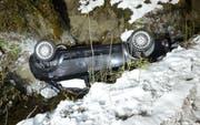 Das Unfallauto erlitt Totalschaden. (Bild: Luzerner Polizei)