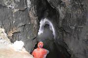 In 803 Metern Tiefe hat ein unterirdisches Gewässer die Höhlenforscher vorderhand gestoppt. (Bild: PD)