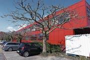 Das Firmengebäude der Heinrich Kübler AG an der Ruessenstrasse in Baar. (Bild: Werner Schelbert (28. März 2017))