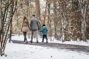 Markus B. mit Tochter und Sohn in seiner Luzerner Heimatgemeinde. Zum Schutz der Familie ist unser Beitrag anonymisiert.