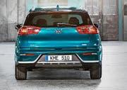 Die Heckansicht des Kia Niro lässt auf ein SUV-Modell deuten.