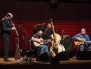 Das Biréli Lagrène Gipsy Quartet bei seinem Auftritt im KKL. (Bild: Manuela Jans Koch (Luzern, 28. Januar 2018))