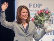 Mit grossem Applaus wiedergewählt: FDP-Parteipräsidentin Petra Gössi. (Bild: KEYSTONE/URS FLUEELER)