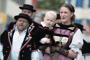 Schon 2016 fand das Zentralschweizerische Jodlerfest im Kanton Luzern statt: Auf dem Bild zu sehen sind Mitglieder des Jodlerklubs Schüpfheim mit Vorjodlerin Heidi Jenny samt Nachwuchs. (Bild: Bild Pius Amrein (Schüpfheim, 26. Juni 2016))