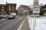 Die Gültigkeit der Tempo-30-Signalisation in Unterseewen ist fragwürdig. (Bild Irene Infanager/Neue SZ)