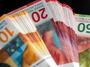 Der Nationalrat will, dass der höchste Lohn in bundesnahen Betrieben die Schwelle von 500'000 Franken nicht überschreitet. (Themenbild) (Bild: KEYSTONE/TI-PRESS/GABRIELE PUTZU)