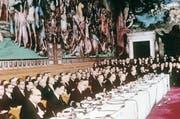 Grundsteinlegung der EU: Die Unterzeichnung der Verträge zur Bildung der Europäischen Wirtschaftsgemeinschaft (EWG). Bild: AFP (Rom, 25. März 1957)