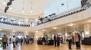 Seit kurzem hat die Stadt Zug ihr Theater Casino nach dem Umbau zurück. Im Bild zu sehen: die Eröffnung. (Bild: Patrick Hürlimann (16. September 2017))