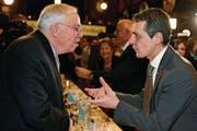 Aussenminister Ignazio Cassis mit SVP-Übervater Christoph Blocher. (Bild: Walter Bieri/Keystone (Zürich, 19. Januar 2018))