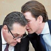 Zweckduo: Heinz-Christian Strache (links) und Sebastian Kurz. (Bild: Roland Schlager/APA (Wien, 31. Januar 2018))