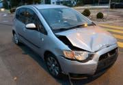 Auch das zweite Auto wurde beim Unfall stark beschädigt. (Bild: Luzerner Polizei)