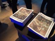 Die Sonderausgabe der Wirtschaftsbeilage der Luzerner Zeitung und ihrer Regionalausgaben nach. Am Dienstagabend wurde im KKL das neue Produkt feierlich lanciert. (Bild: BU)