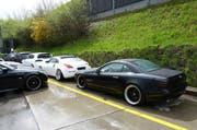 Konfiszierte Autos vor dem Strassenverkehrsamt des Kantons Luzern (Bild: pd)