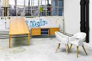 Die Kollektion «authentisch» mit Möbeln aus der Biosphäre Entlebuch ist neu auch bei Möbel Portmann im Sortiment. (Bild: PD)