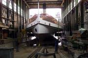 Am 14. Februar 2000 das renovierte Dampfschiff Schiller wieder gewassert. (Bild: Adrian Stähli / Archiv Neue LZ)