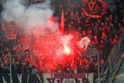 Die Basler Fans bei einem Spiel in St. Gallen im April. (Bild: Keystone)