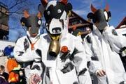 Baarer Kinderumzug im Dorfzentrum mit vielen kleinen Maschgaraden mit schönen Masken. Im Bild «z'Alp». (Bild: Werner Schelbert / ZZ (Baar, 27. Februar 2017))