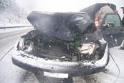 Der Unfallwagen auf der A2. (Bild: Kantonspolizei Uri)