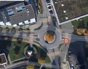 An diesem Fussgängerstreifen ist der Unfall passiert. (Bild: Karte: Mapsearch, Quelle: Zuger Polizei)