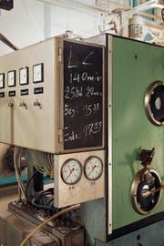 Impressionen aus der alten, ausgedienten Viscose-Experimentierhalle, die zum Schauplatz für die Oper «Rigoletto» wird. Bilder: David Röthlisberger, Luzerner Theater (Emmenbrücke, 21. April 2016)