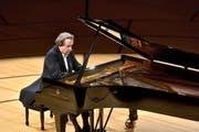 Filigrane Spieltechnik auch in den höchsten Tempi: der österreichische Pianist Rudolf Buchbinder. (Bild: Peter Fischli/LF)