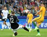Tomi Juric zog hier gegen Deutschlands Torwart Bernd Leno den Kürzeren. (Bild: Armando Babani/Keystone)