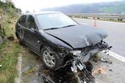 Das Auto erlitt beim Unfall Totalschaden. (Bild: Kapo Nidwalden)
