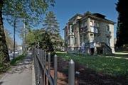 Das besetzte Haus an der Obergrundstrasse in Luzern muss bis Samstag geräumt sein. (Bild: Pius Amrein/Neue LZ)