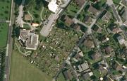Zwei Schrebergartenhäuser brannten am Mittwoch nieder. (Bild: Google Maps)