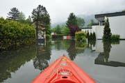 Diese Bilder sollen der Vergangenheit angehören: Das überschwemmte Gebiet Ried (Sachseln) im letzten Juni. (Bild: Robert Hess / Neue OZ)