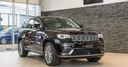 Markanter Auftritt des Jeep Grand Cherokee in der Top-Ausführung Summit. (Bild: Hanspeter Schiess)