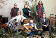 Wir sehen hier einen kleinen Teil der Kelly Family mit Angelo, John, Kathy (oben von links), Patricia, Jimmy und Joey Kelly (unten von links).Bild: Helen Sobiralski/RTL (Bild: Helen Sobiralski/RTL)