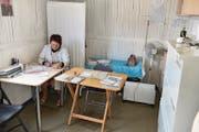 Krankenschwester Svetlana betreibt das Ambulatorium im Dorf. (Bild: André Widmer)